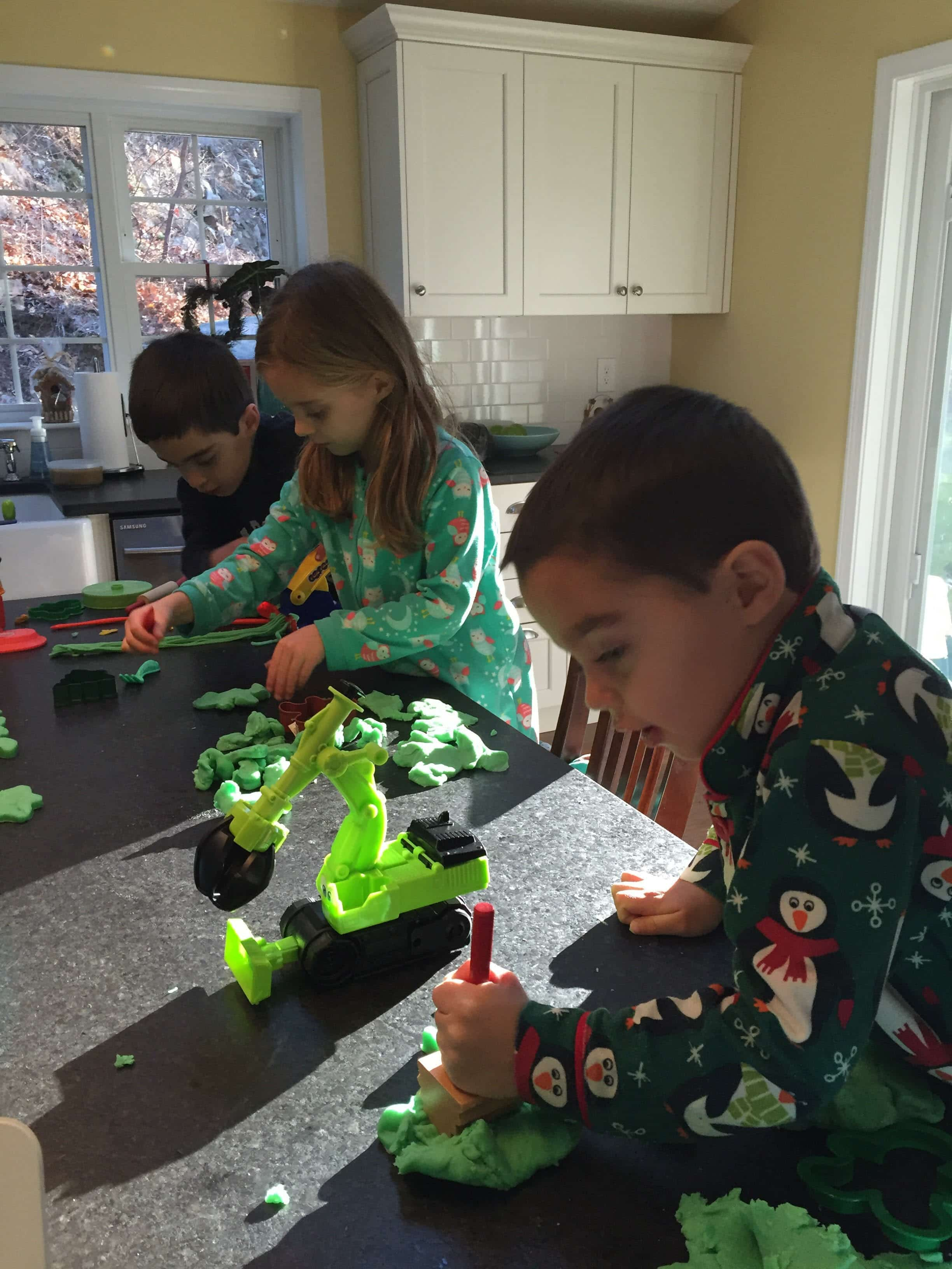 How To Make Your Own Holiday Playdough Grinchy Dough My Little Poppies