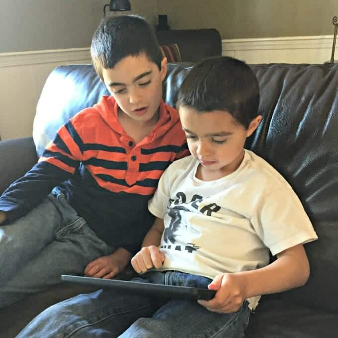 How My Kids Fell Head Over Heels for Smartick Math | My Little Poppies