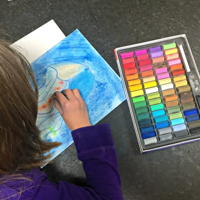Get Ready for Summer with this Seashore Chalk Pastel Video Art Course | My Little Poppies