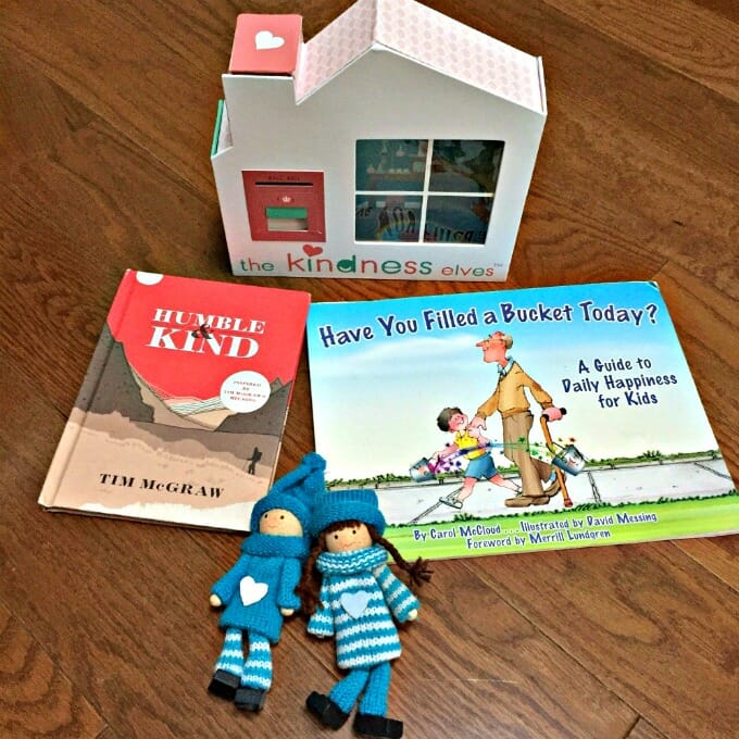 3 Fantastic Alternatives to Elf on the Shelf to Inspire Kindness | My Little Poppies
